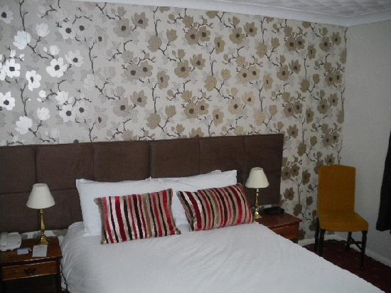 Virginia Court Hotel: Double bedroom