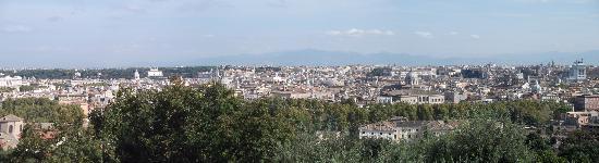 Al Colonnato di San Pietro Bed and Breakfast: View over Rome
