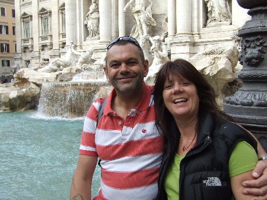 Al Colonnato di San Pietro Bed and Breakfast: Trevi Fountain