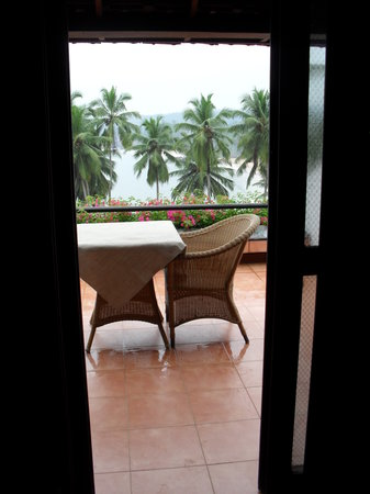 The Leela Kovalam Beach: view onto the balcony