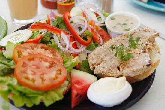 Kite Club Cafe: Tuna Burger