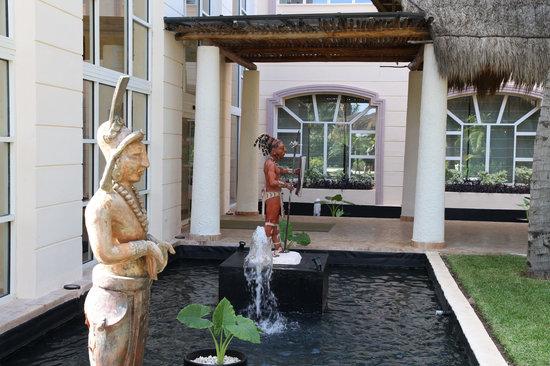 Excellence Riviera Cancun: Main bldg.