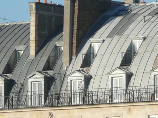 Hotel Brighton - Esprit de France : View of room, top row