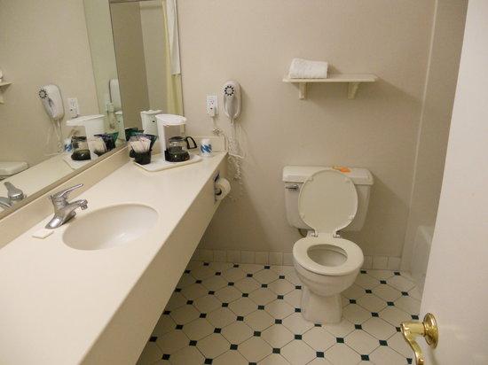 Bathroom Sinks Tucson bathroom. - picture of la quinta inn tucson east, tucson - tripadvisor