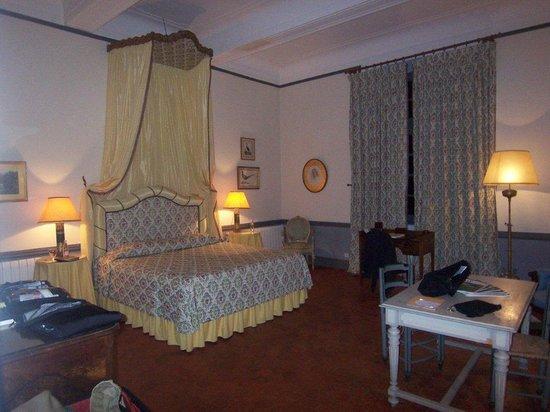 Chateau d'Esparron : Our room at the castle