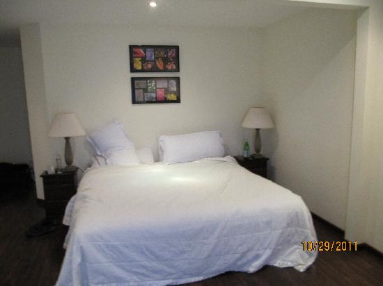 Jaco Bay Resort Condominium: typical room