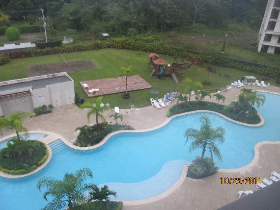 Jaco Bay Resort Condominium: the pool