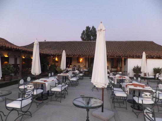 Ristorante Vino Bello: Outside dining area