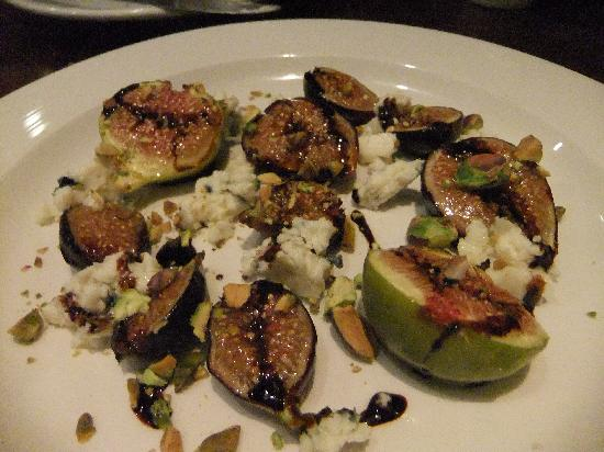 Seven Hills : Figs with Pistacchio & Bleu Cheese