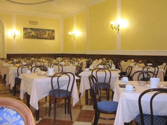 Hotel Excelsior Splendide: Dining room