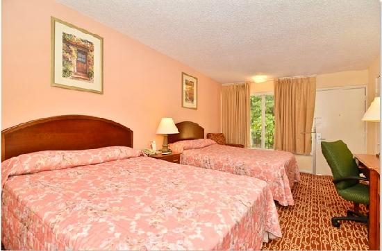 Econo Lodge: Bedroom6