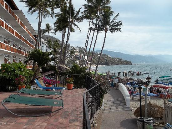 Playa Los Arcos Hotel Beach Resort & Spa : Balcony, looking south