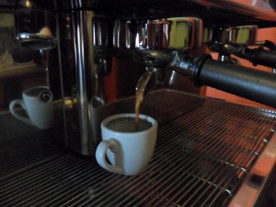 Fandango Cafe: Best espresso bar in town