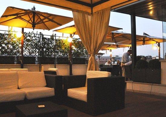 Hotel Artemide Roof Bar