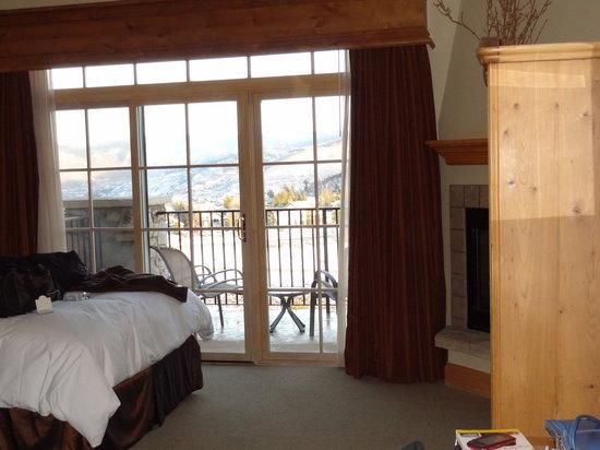 Lodge & Spa at Cordillera: The room