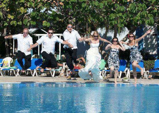 Hotel Playa Costa Verde: Pics done by provided Wedding Photographer
