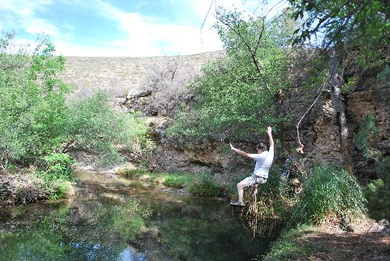 Sitting Bull Falls: rope swing