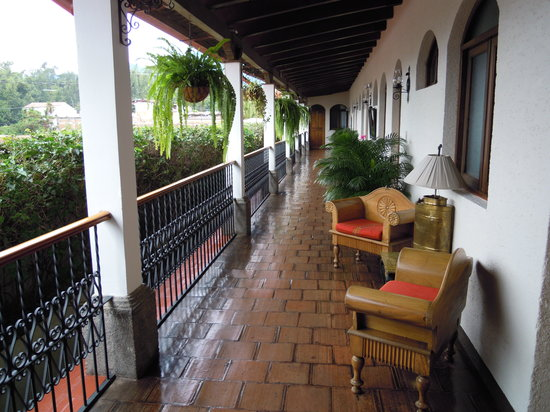 Casa Florencia Hotel: Outside my room second floor