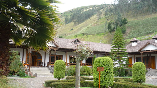 Hacienda Leito : Front view of the hotel