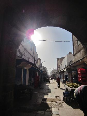 Riad Jemalhi Mogador: walking through the medina