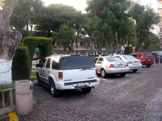 Malibu Hotel: Parking