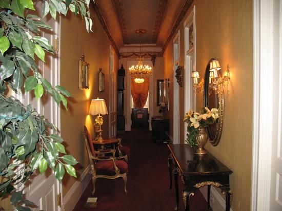 Cornstalk Hotel : Entry hallway