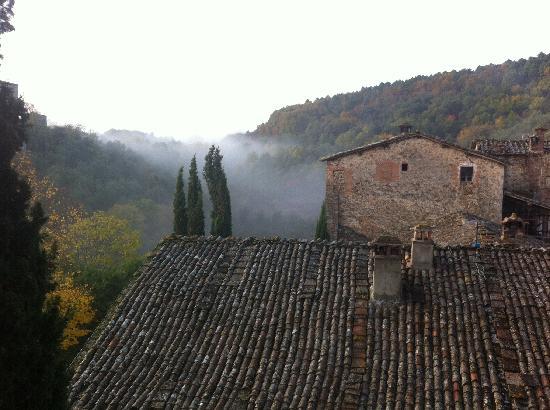 Il Castello del Poggiarello di Stigliano: DALLA TORRE