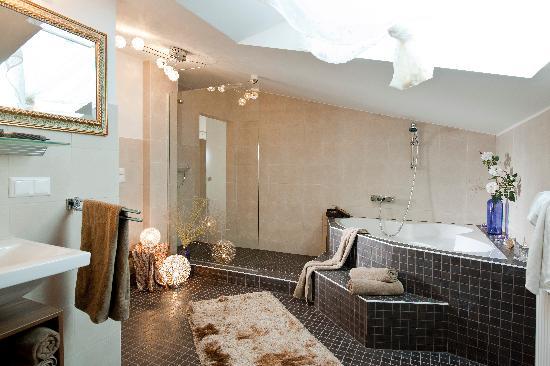 Hotel Daniela: Badezimmer
