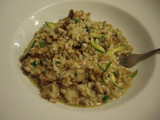 Locanda del Marinaio: Three grain risotto (spelt, barley and rice) with porcini, zucchini and walnut