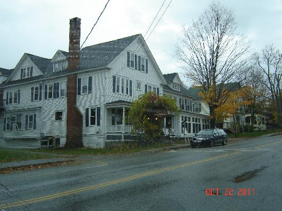 Sudbury Inn: rainy day in Bethel