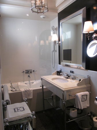 Hotel Keppler: Bathroom