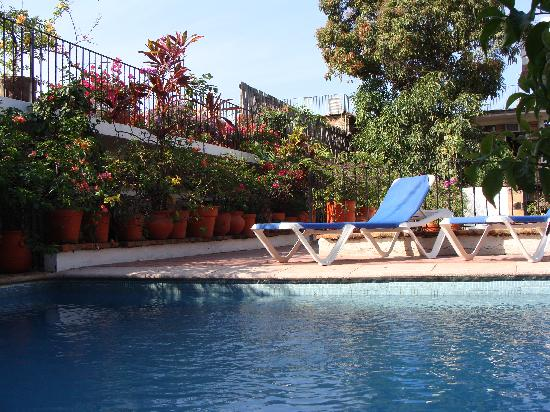 Hotel Posada de Roger: Posada de Roger Pool & Garden