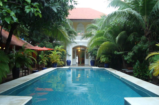 The Pavilion: Pool at Pavilion Hotel