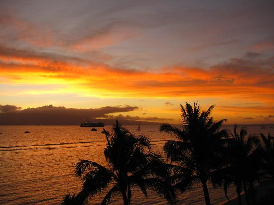 Lahaina Shores Beach Resort: View from our room 507