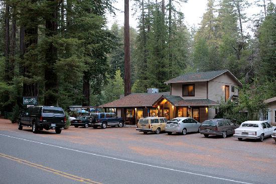 Elim Grove Cottages