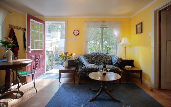 Elim Grove Cottages: The Sitting Room of One of Our B&B Cottages