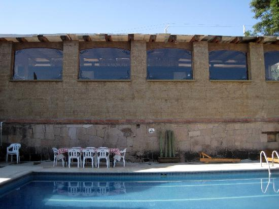 La Villada Inn: Outside view of the new club