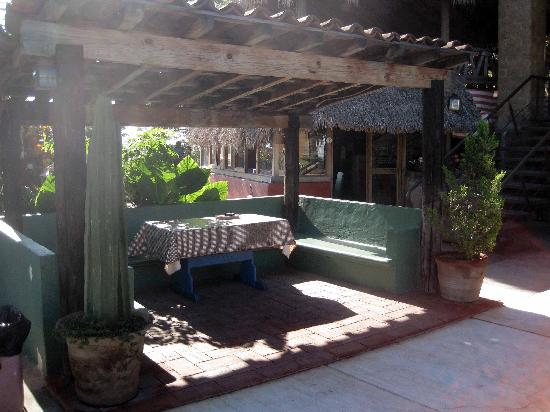 La Villada Inn: Great place to sit and relax