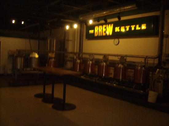 Brew Kettle Taproom & Smokehouse: Brewing area