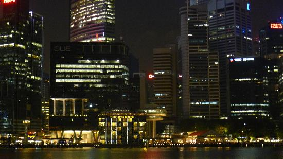 The Fullerton Bay Hotel Singapore: Night Shot of Hotel