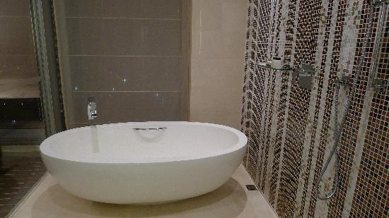 Grand Hyatt Macau : Chic Bath Tub