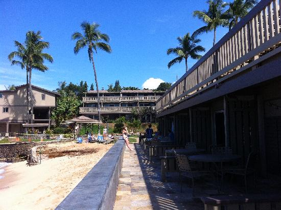 Kahana Sunset: The common walkway in front of the oceanfront units.