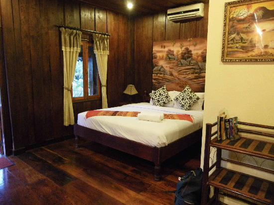 Riverside Guesthouse: The balcony room