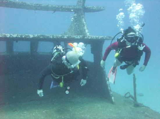 ชาร์คกี้ สคูบา: Enjoying the warm water!