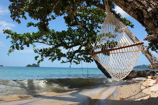 The Chill Resort & Spa, Koh Chang: The small beach