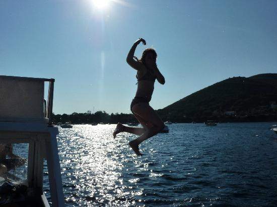 Masaniello Tourist: Jumping off the boat