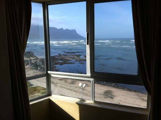 Ocean Breeze Hotel: View from bed on the fifth floor