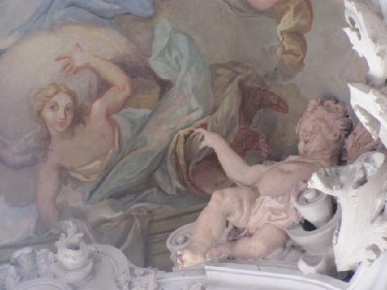 St. Michael: putti