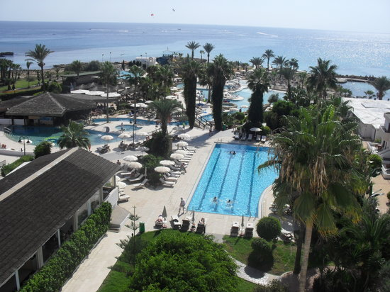 Adams Beach Hotel: The veiw from looking of the balcony are veiw!!!