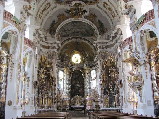 Asamkirche: richly decorated interior